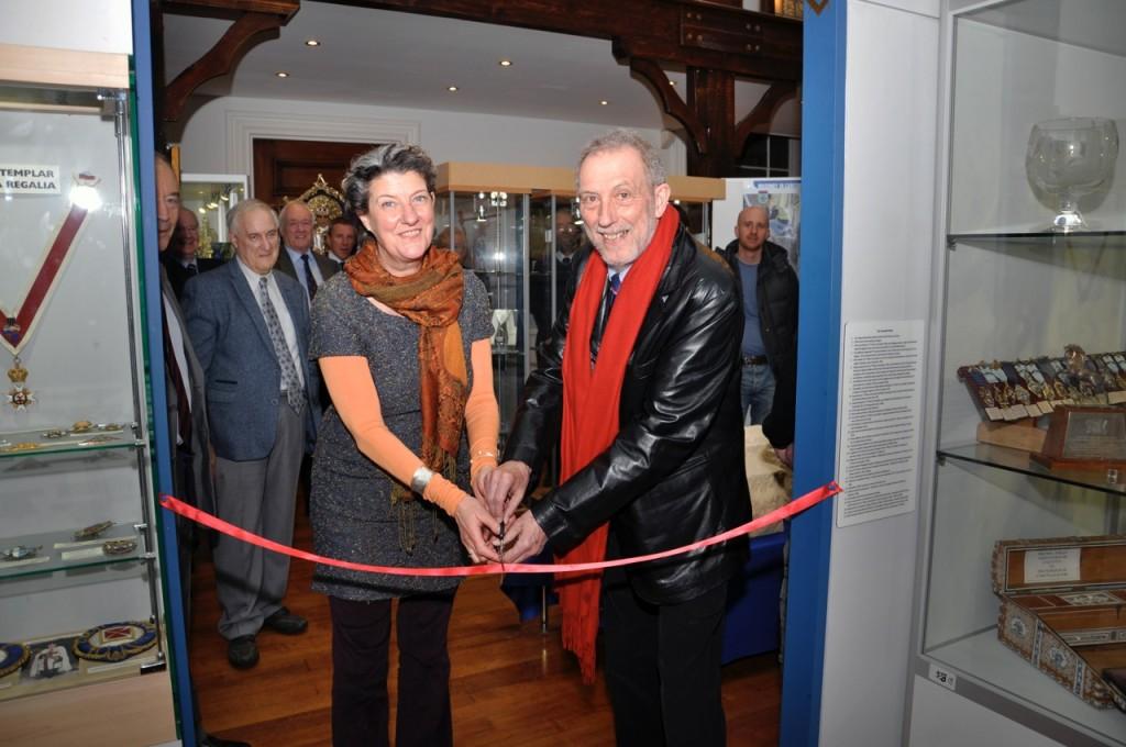 Tony Periton & Heather Newton cut the ribbin to open the exhibition